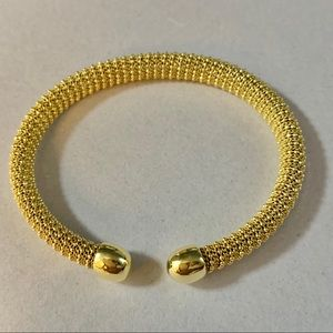 😍SALE Jan1 20 😍NWT BRACELET. Gold Made in Italy